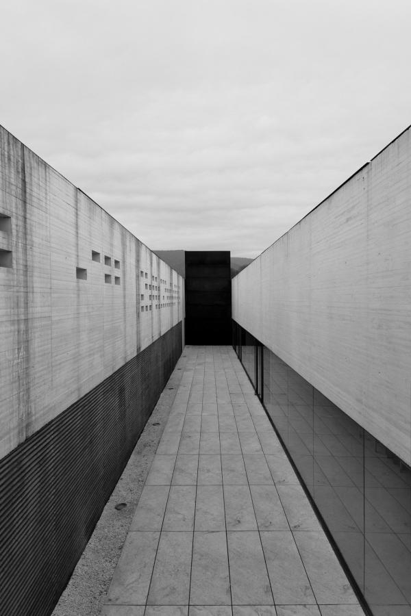 Betongväggar konstfotografi tryckt på glas - av jan malmström | Art On The Wall